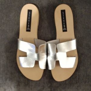Ladies silver Steven by Steve Madden sandals